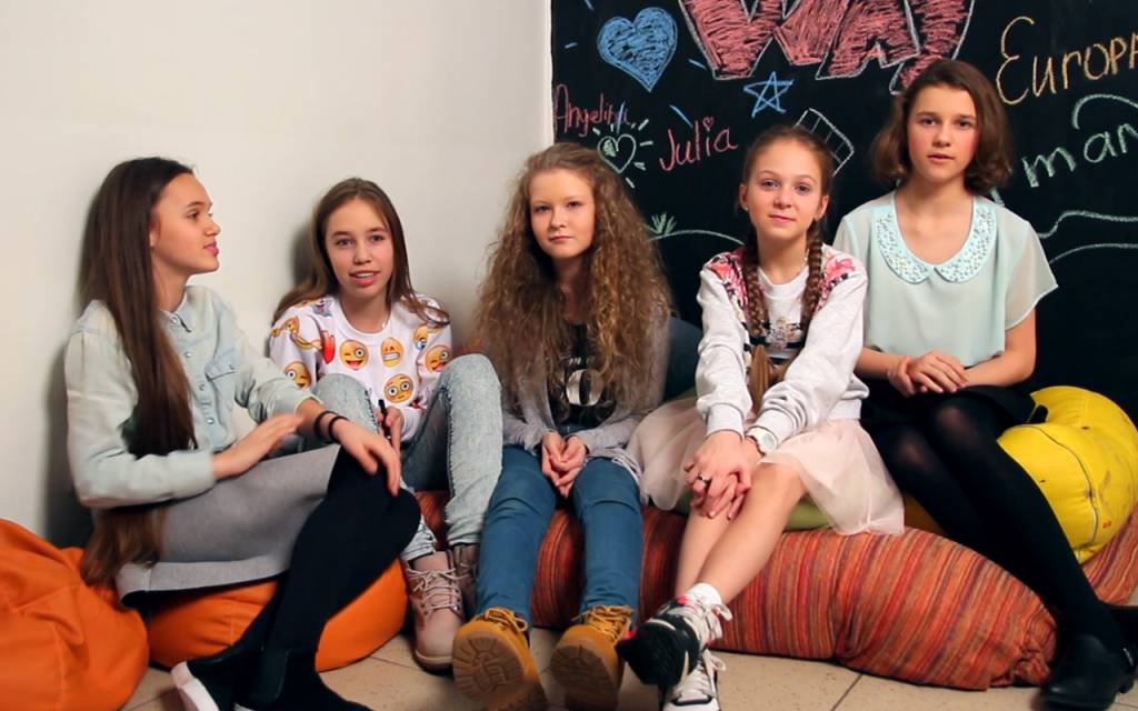 Участницы группы Open Kids отвечают на вопросы Кидсеров - Open Art Studio